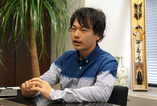 株式会社エー・ピーカンパニー 岡田 英樹氏のトップ画像
